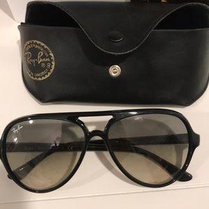 RAY BAN CATS5000 black sunglasses